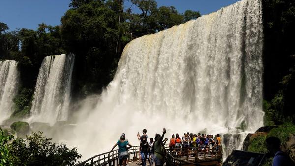 Fin de semana XL: hay altos niveles de reservas en los principales destinos del país