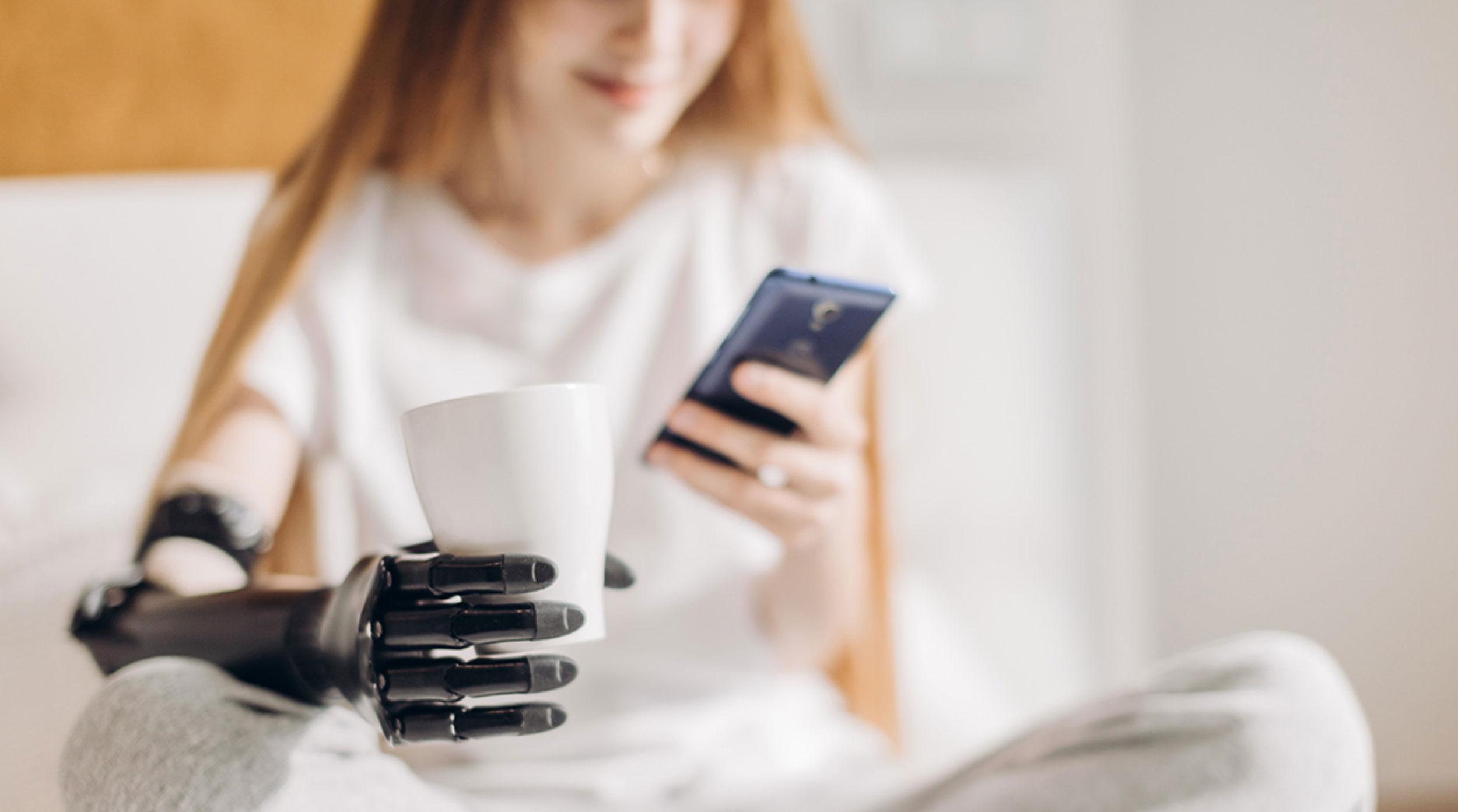Prótesis e implantes inteligentes: ¿una puerta para los ciberataques en el cuerpo?