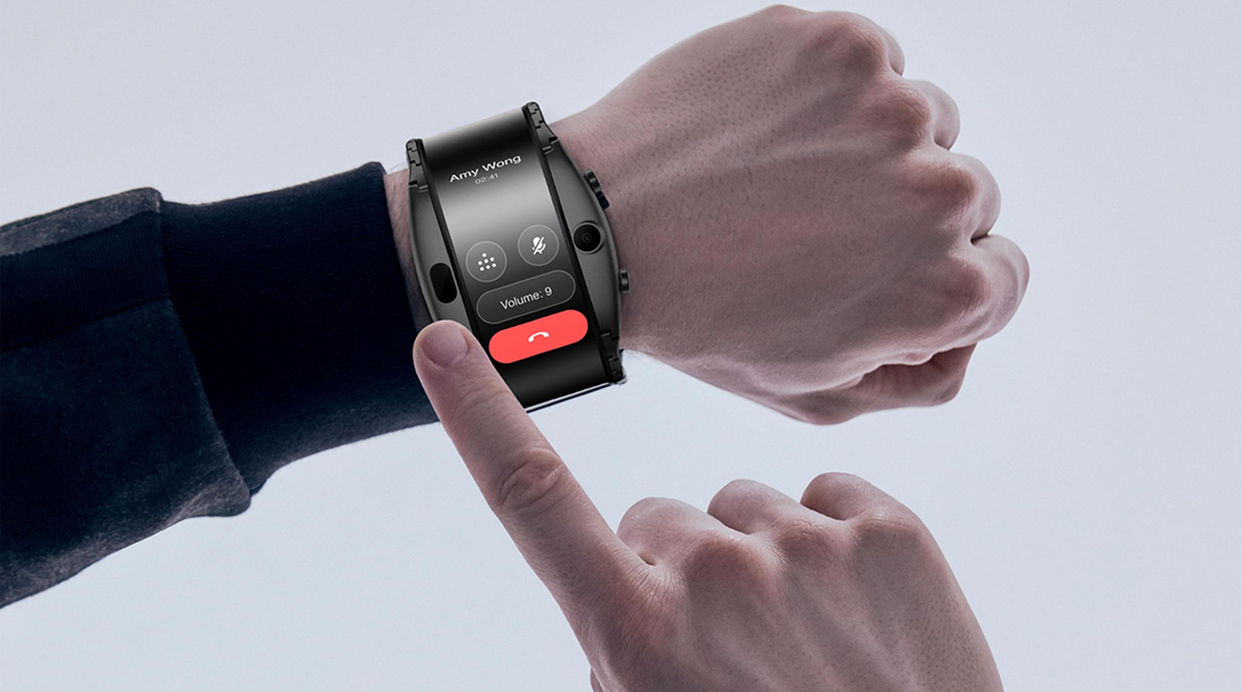 Más pantallas flexibles: el híbrido entre smartphone y reloj, entre lo más raro que se vio en el MWC