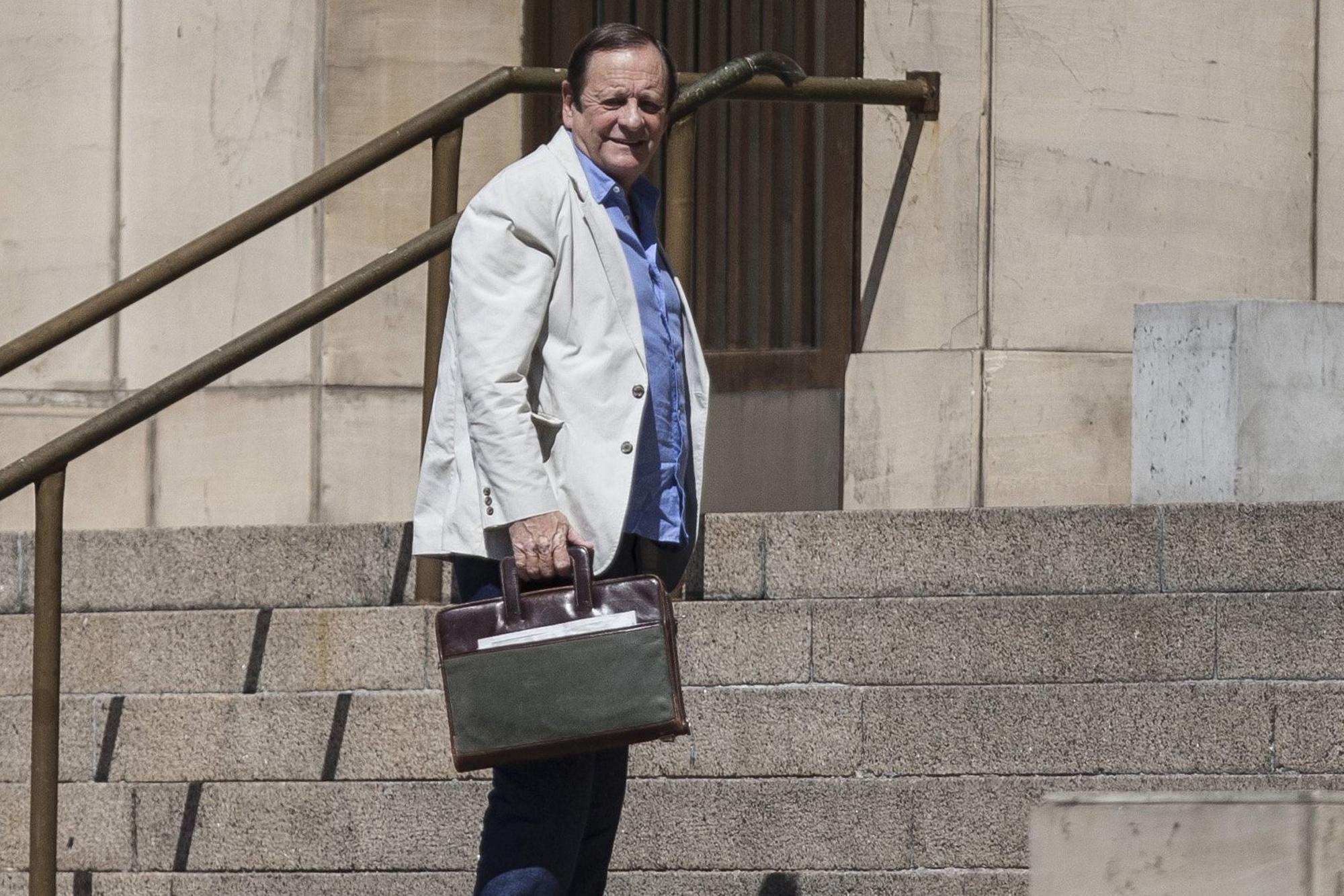 El juez Canicoba viajó casi seis veces por año al exterior