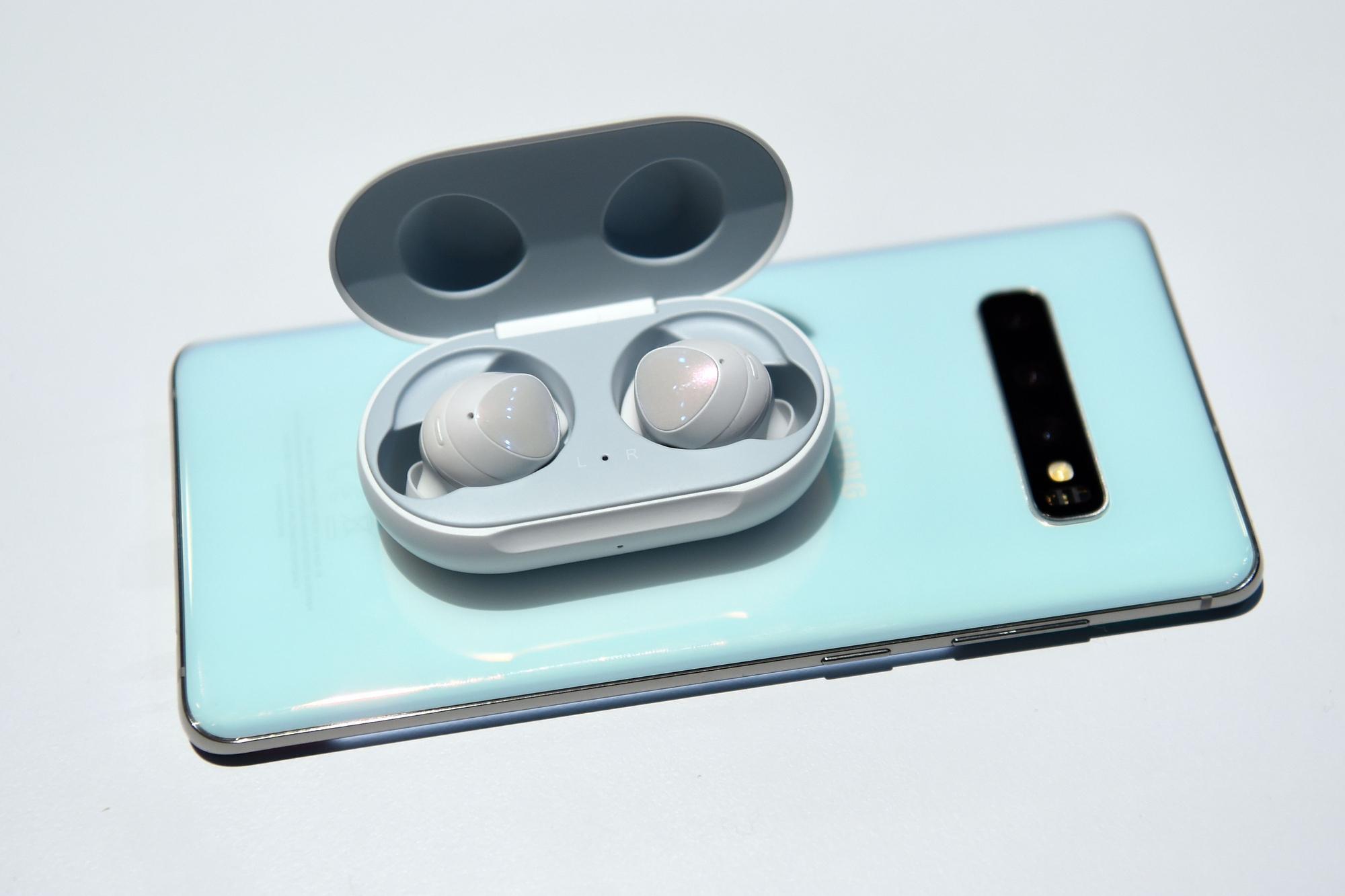 Galaxy Buds: así son los auriculares inalámbricos que acompañan al Samsung Galaxy S10