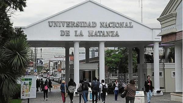 Polémica en la Universidad de La Matanza: les cobran $ 60 mil a los extranjeros que no hablan español