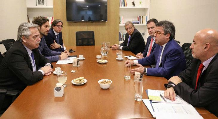 Fernández se comprometió a reactivar fondos aprobados por el BID
