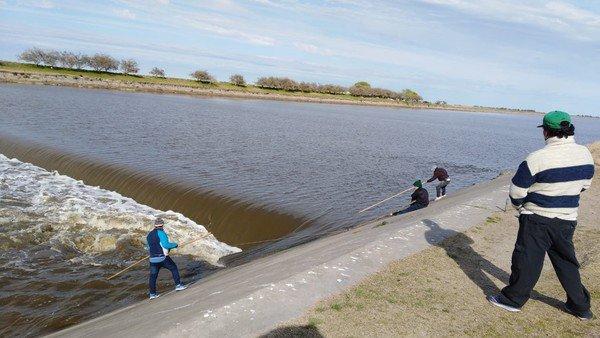 Cuatro hermanos que pescaban en el Río Salado murieron arrastrados por la correntada