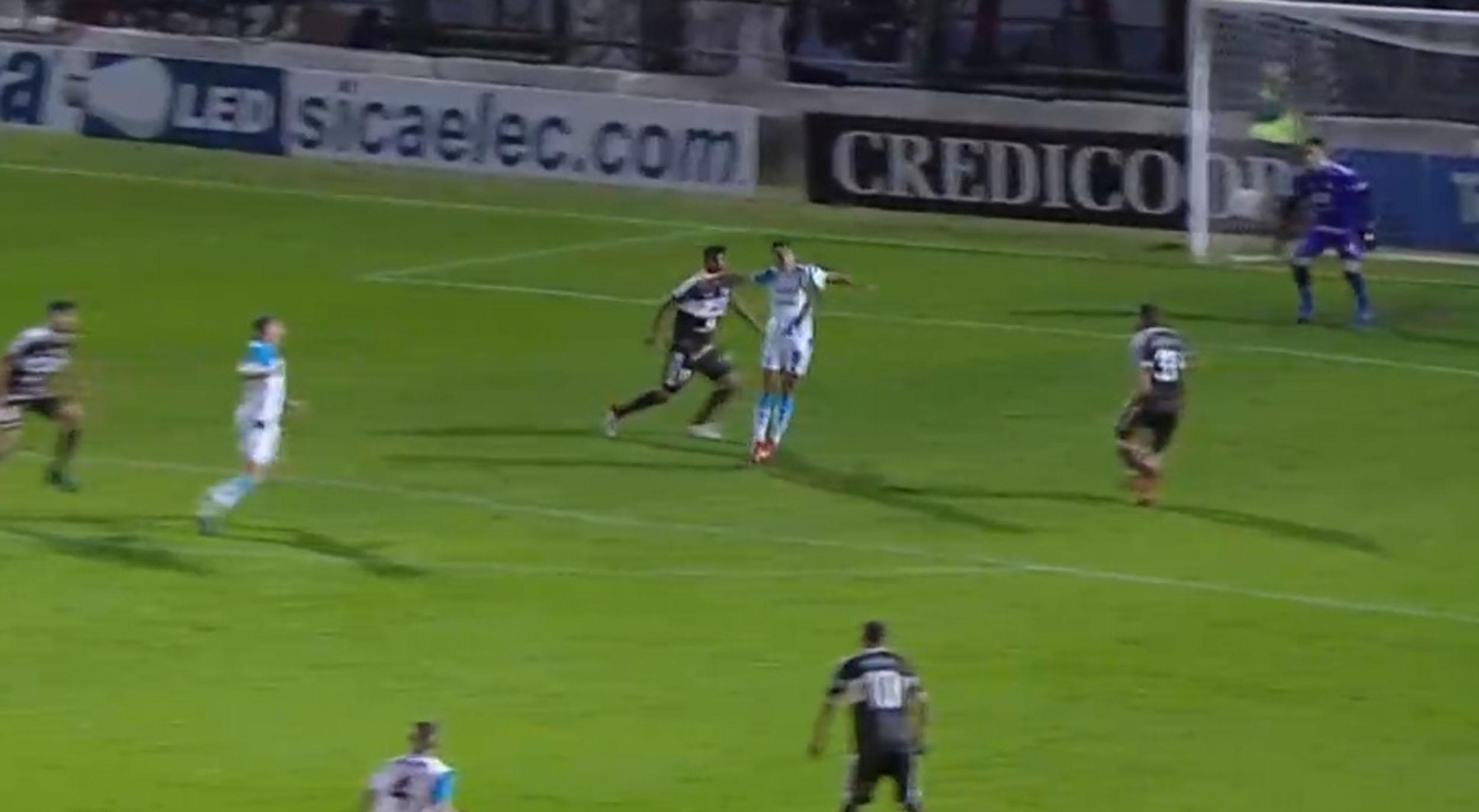 ¿Mano de Sequeira? El gol del empate que le anularon a Belgrano