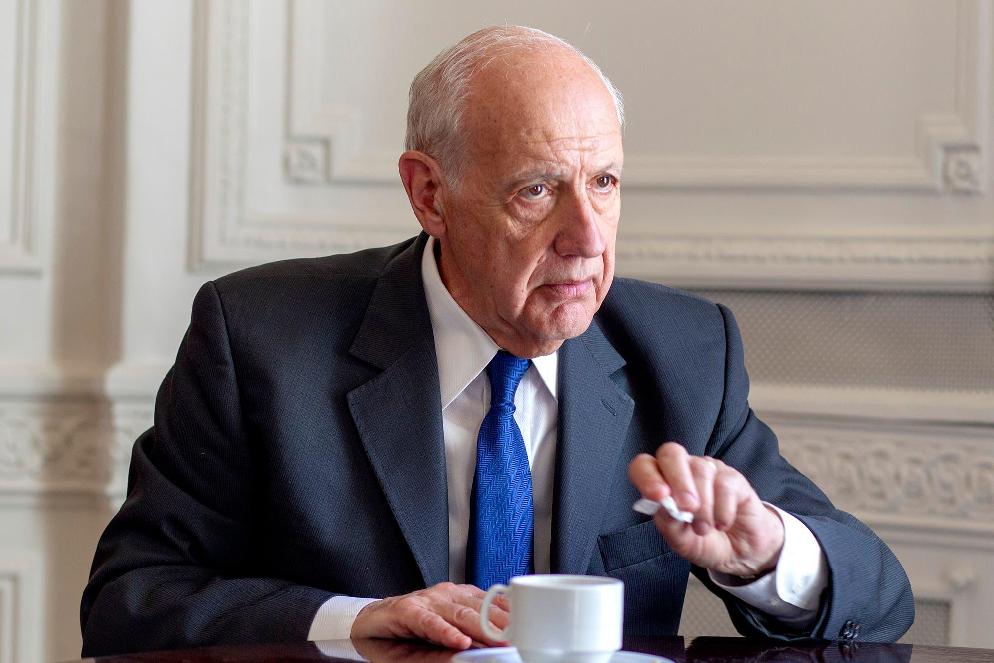 Lavagna visitó Salta y desglosó una serie de condicionamientos al FMI