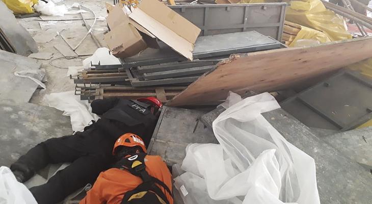 Un muerto y varios heridos por un derrumbe en el aeropuerto de Ezeiza