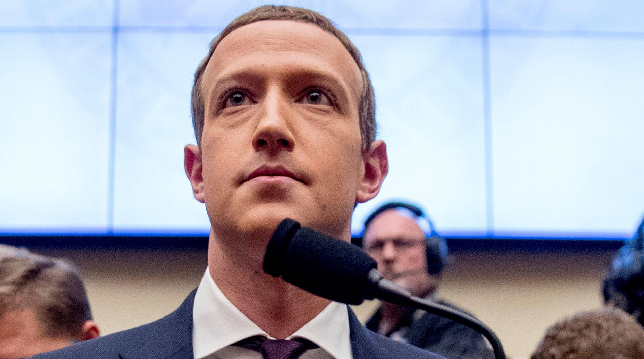 Un fallo de seguridad en Facebook activa la cámara del iPhone mientras el usuario navega por su muro