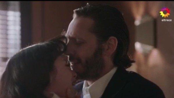 """La fuerte escena de Torcuato y Alicia en ATAV: el """"te amo"""" de los hermanos incestuosos"""
