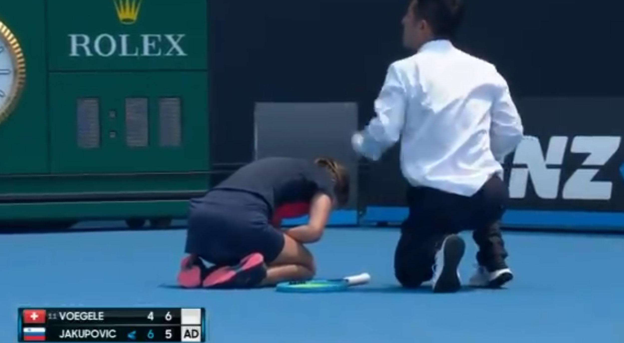 Por el humo en Australia, una tenista se retiró en pleno partido por un ataque de tos