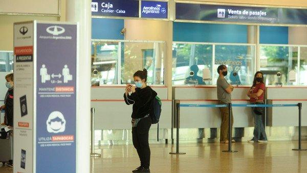 tucuman-habilitara-vuelos-y-micros-de-larga-distancia,-solo-para-personas-con-actividades-esenciales