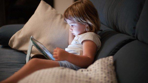 """afirman-que,-por-las-pantallas,-los-""""nativos-digitales""""-son-la-primera-generacion-""""menos-inteligente""""-que-sus-padres"""