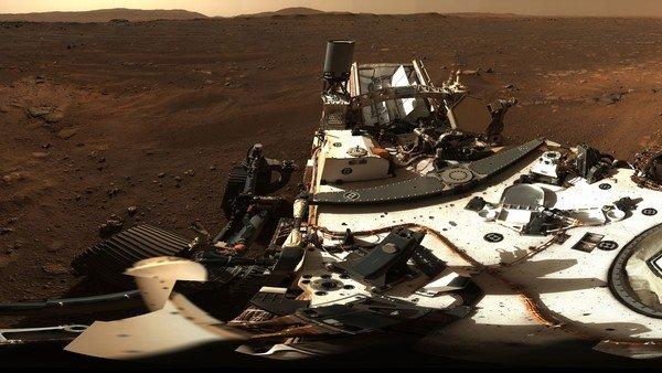 mision-de-la-nasa-en-marte:-mira-la-primera-foto-panoramica-que-saco-el-rover-perseverance