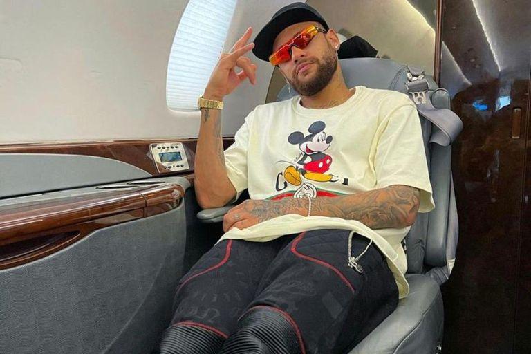 """como-es-el-impresionante-helicoptero-""""a-lo-batman""""-de-neymar"""