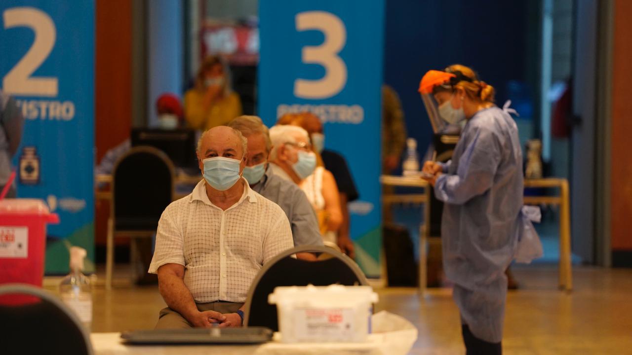 el-ministerio-de-salud-informo-que-este-martes-se-colocaron-16.583-vacunas