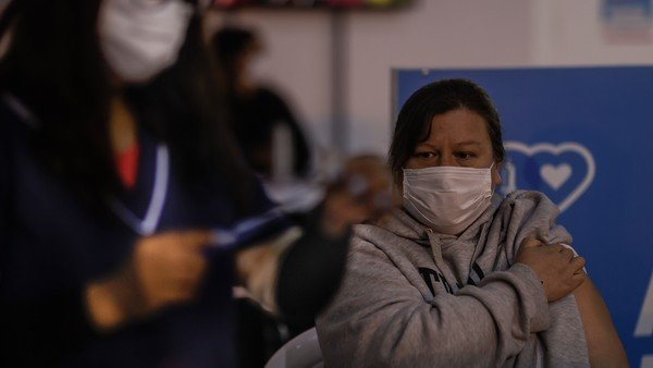 el-dato-alentador-de-la-oms-que-marca-el-descenso-sostenido-de-casos-de-coronavirus