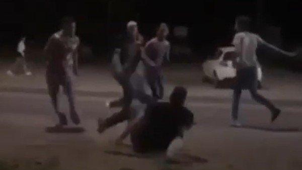 mendoza:-un-video-muestra-como-una-patota-ataca-a-un-hombre-a-la-salida-de-una-fiesta-clandestina