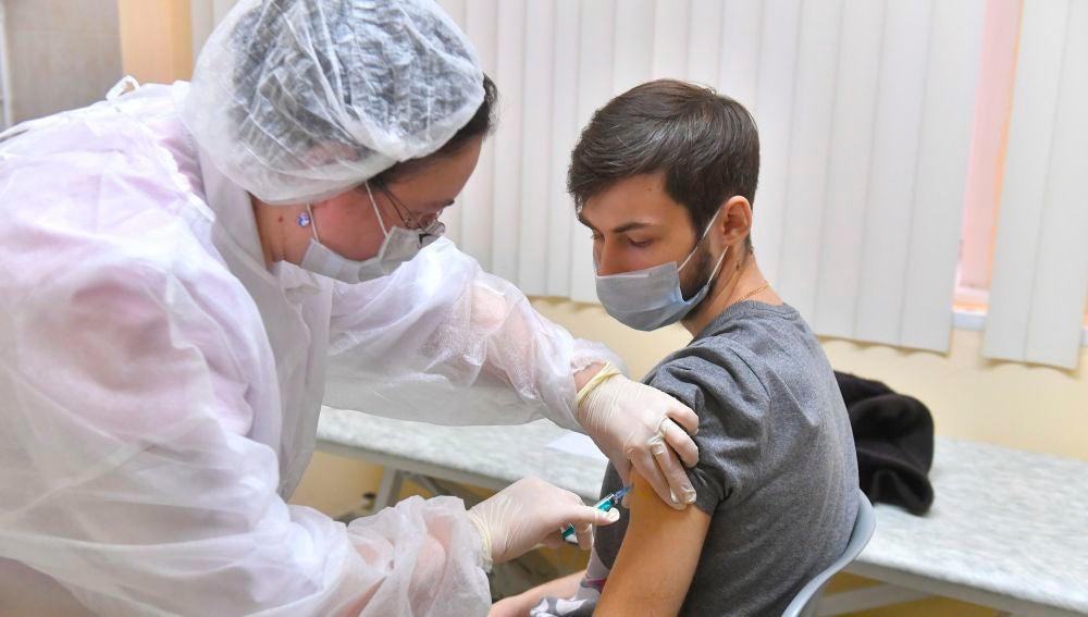vacunan-desde-este-sabado-a-personas-de-17-anos-sin-comorbilidades