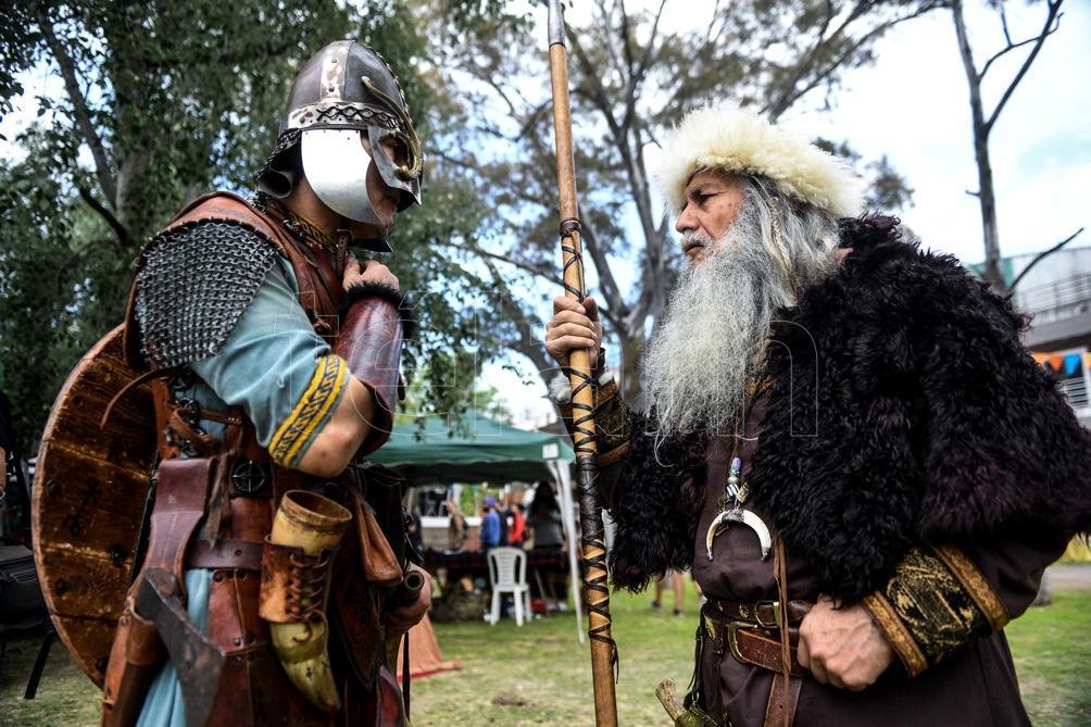 combate-medieval-en-el-siglo-xxi,-el-deporte-que-recrea-luchas-legendarias
