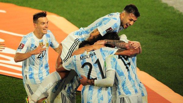 como-construyo-lionel-scaloni-una-seleccion-argentina-que-juega-cada-vez-mejor-e-ilusiona-en-grande